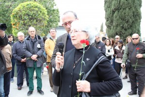 La hija del alcalde fusilado en el acto celebrado en el cementerio de Alicante