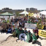 Asociaciones ecologistas exigen en Guardamar el fin del 'Maldito Plástico'