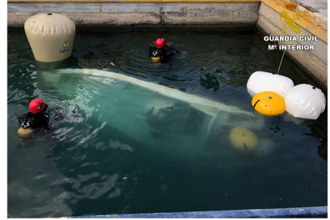 La Guardia Civil rescata dos embarcaciones en Orihuela y Santa Pola