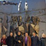 Colomer inaugura en Barracas la primera obra del conjunto de esculturas para señalizar los municipios que forman parte de la Ruta del Grial